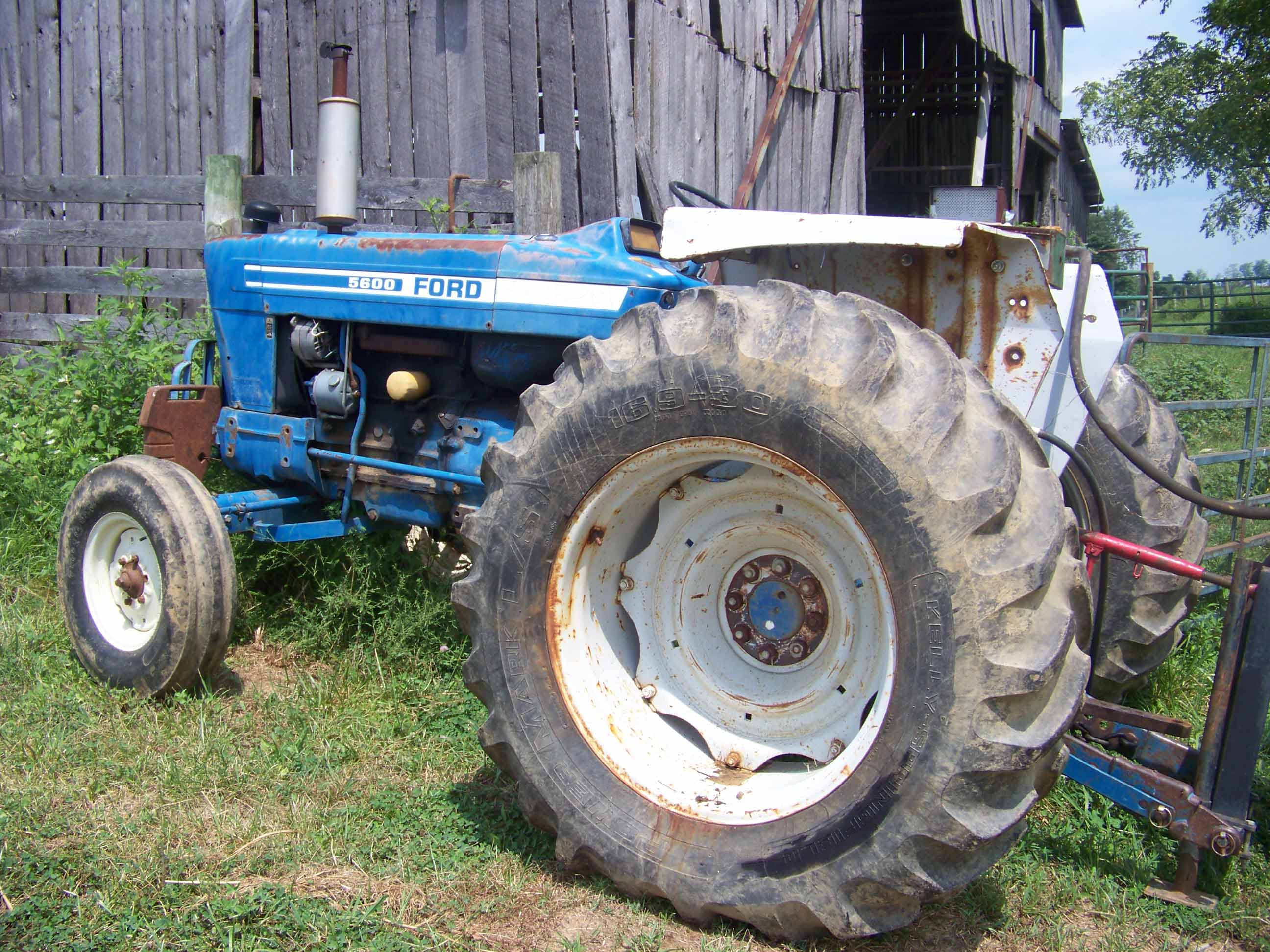 ford 5600 tractor parts online parts store helpline 1-866-441-8193.  alma tractor & equipment inc.